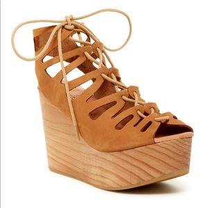 NWOT Musse & Cloud platform strappy shoes tan 40